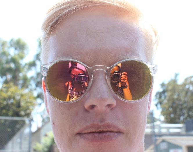 de glasses.jpg